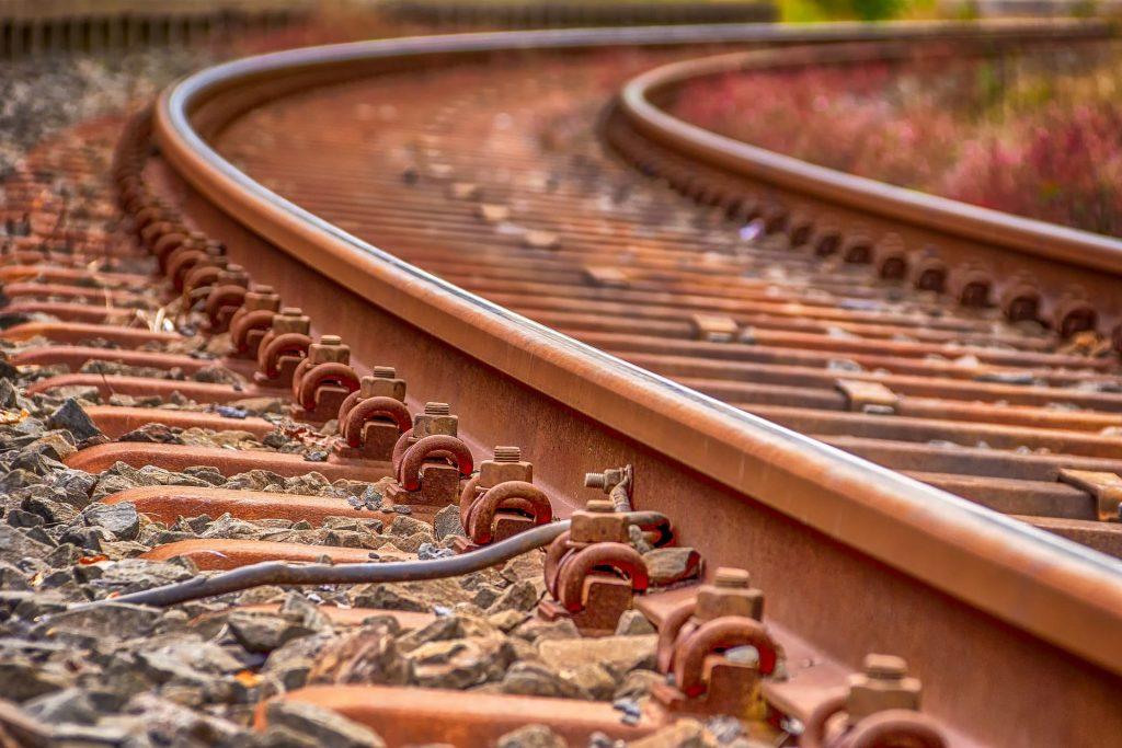bg-track1