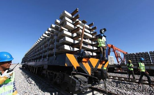 logistic-preparation-preassembled-sleepers-and-rails