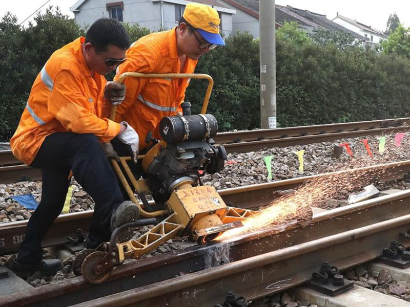 railroad-track-repair
